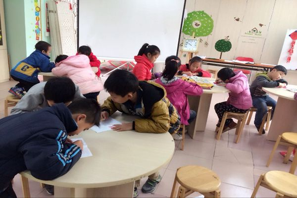 """""""新年乐""""——中堂吴家涌社区开展春节手工制作小组活动"""